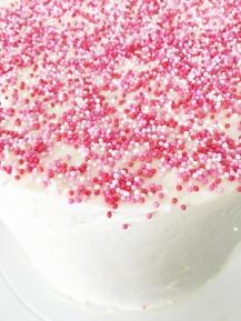 Babshower Sprinkle Cake 02