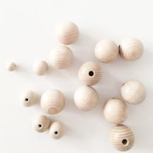 Scandi wooden deco 07