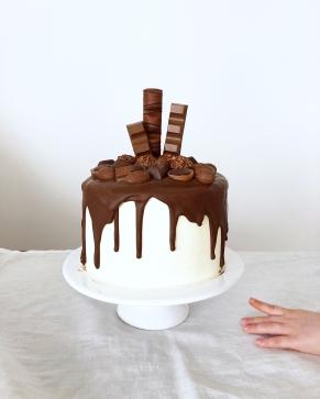 Nutella Drip Cake 02