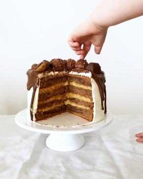 Nutella Drip Cake 05